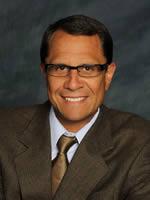 Dr. Julian Kahn